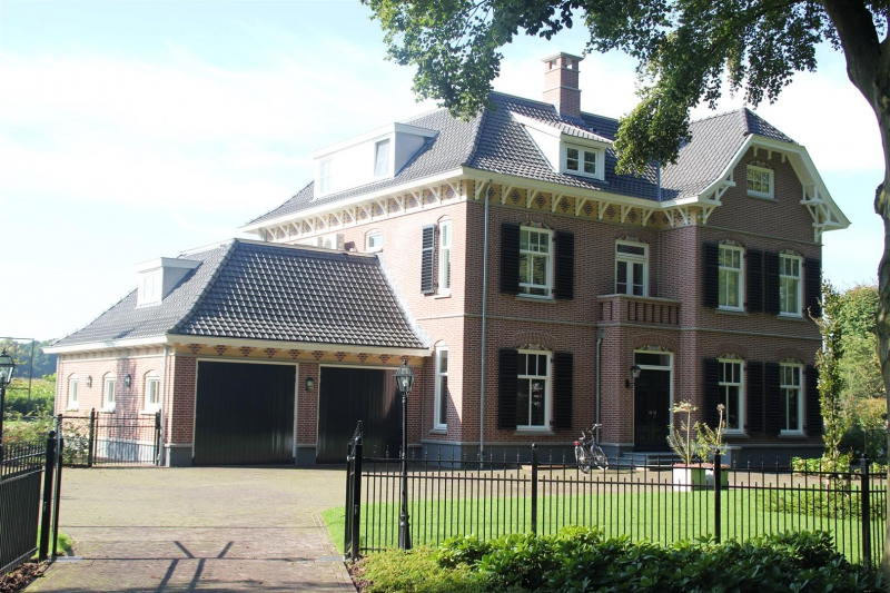 complete binnen- en buitenschilderwerk nieuwe villa
